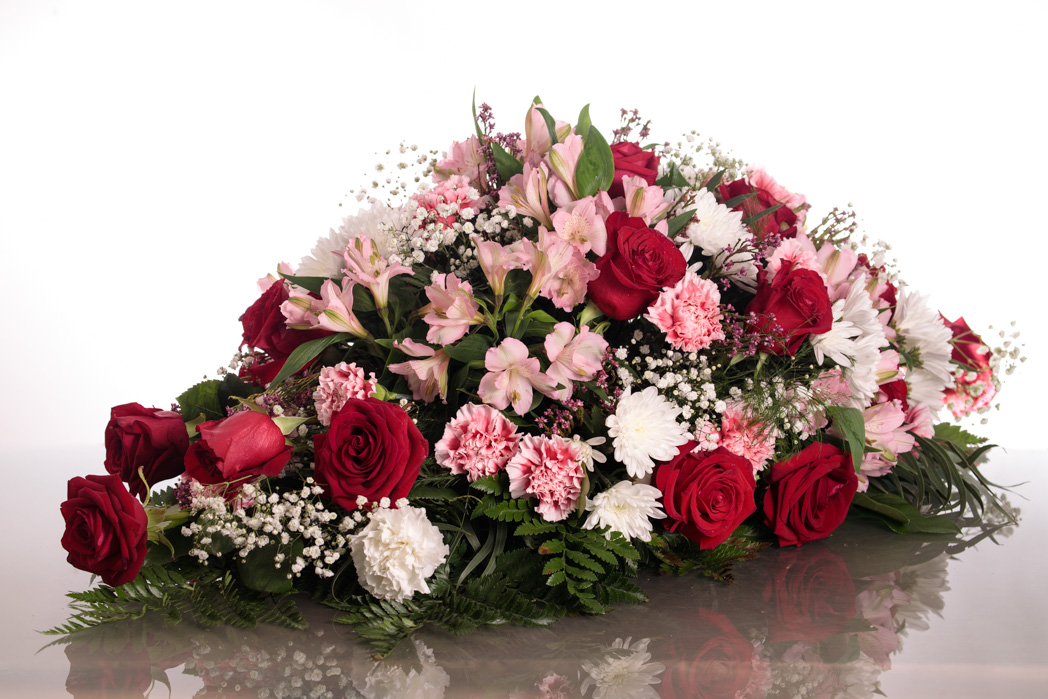 Centro Para Difuntos Primavera Con Rosas Floristeria Fontanillas