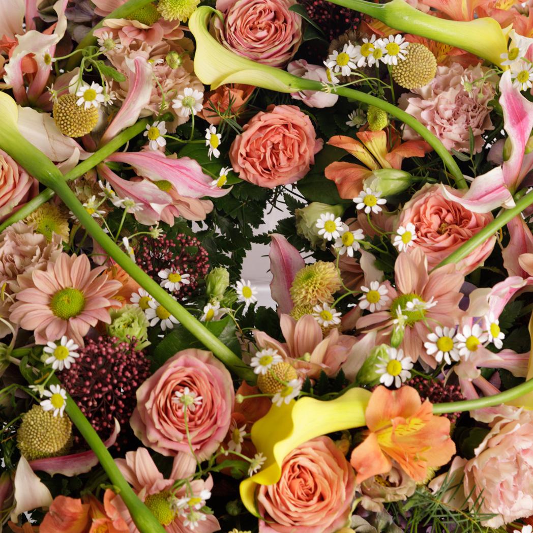 Corona De Flores 75cm Salmon Y Amarillo