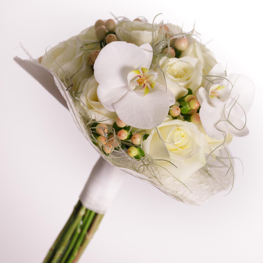 Ramo De Novia Rosas Blancas Y Orquideas Floristeria Fontanillas - Imagenes-de-ramos-de-rosas-blancas